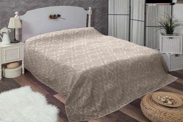 Çift kişilik damask bej havlu yatak örtüsü